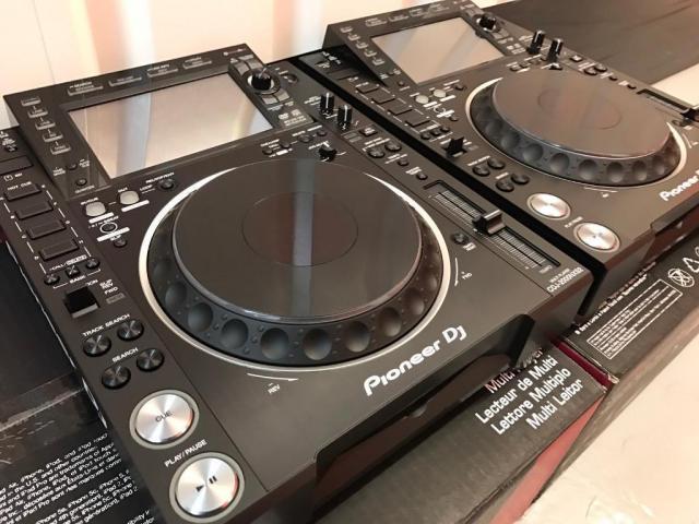 2x Pioneer CDJ-2000NXS2 y 1x DJM-900NXS2 mixer cost $ 2000USD