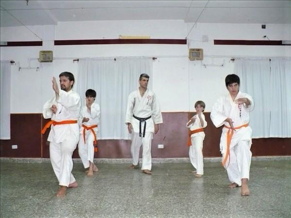 CLASES DE KARATE DO Y DEFENSA PERSONAL