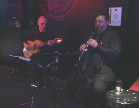 Saxo-clarinete, dúo con guitarra, trío musical, toda cataluña